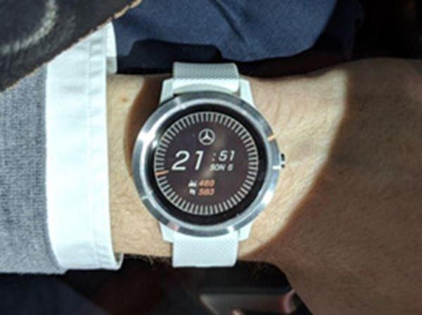 Mercedes-Benz Garmin Vivoactive 3 Smart watch