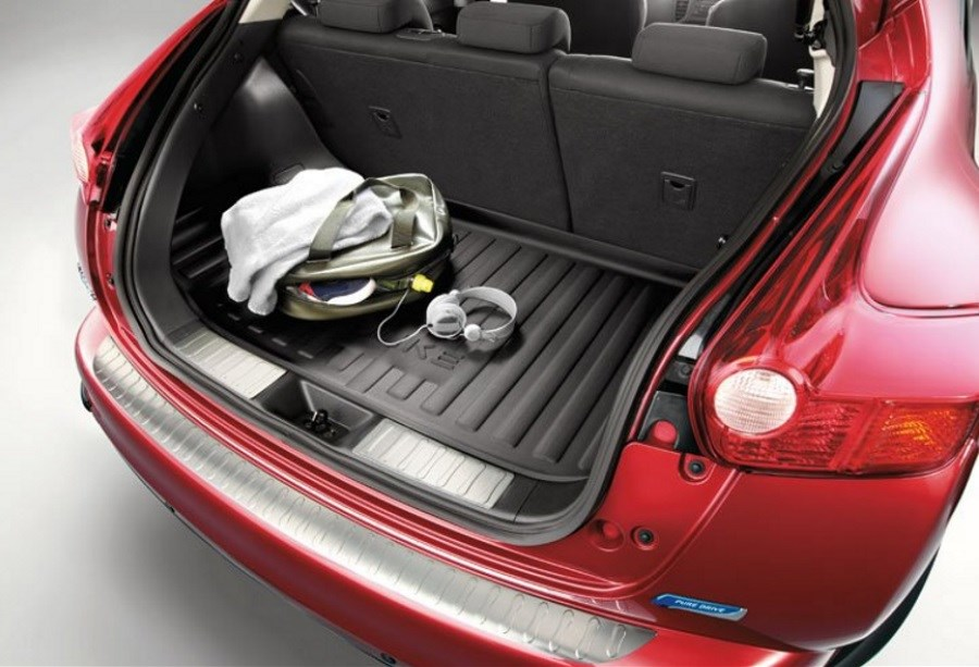 NISSAN JUKE TRUNK ENTRY GUARD