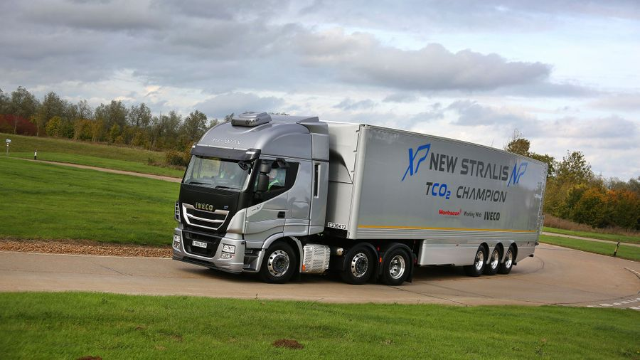 IVECO Stralis reviewed by leading motoring publication